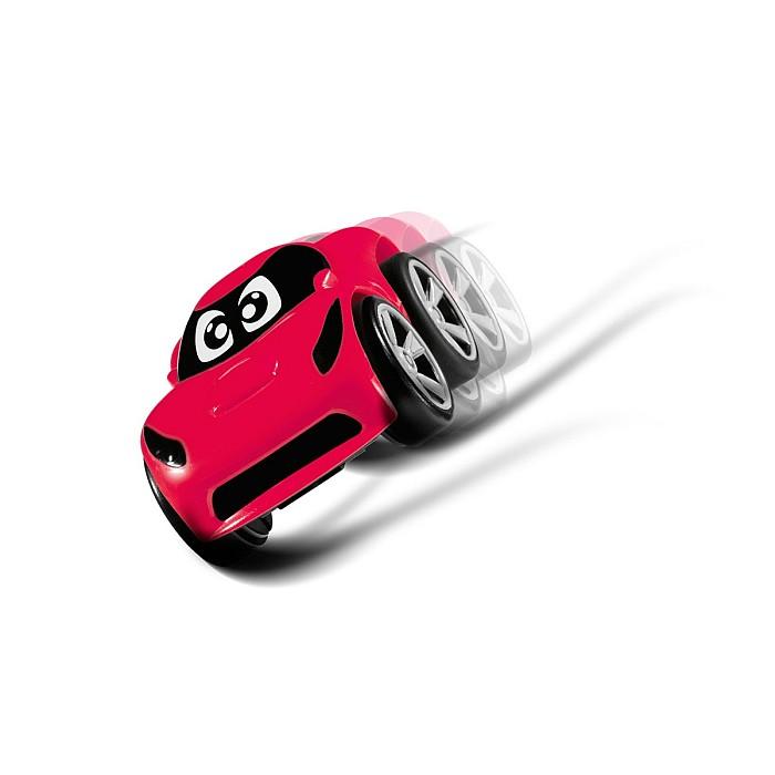 Sportowy samochód z serii Turbo Team - Tommy Czerwony Chicco jeździ na dwóch kołach.