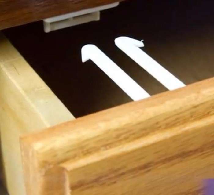 Dreanbaby blokady z podwójnymi kołkami - 2 szt. do szuflad i szafek