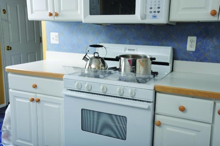 Dreambaby Osłona zabezpieczająca na kuchenkę