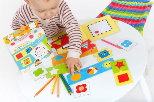 CzuCzu Mała akademia - Kształty - książeczka + edukacyjne puzzle 2 lata+