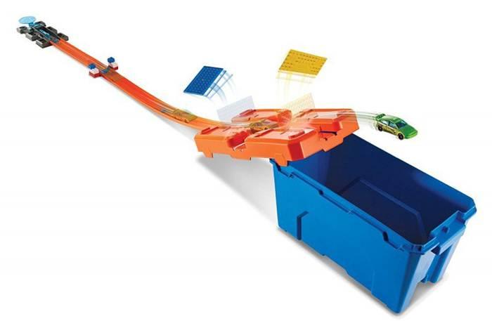 Hot wheles kaskaderski zestaw startowy - kufer dww95 znakomita zabawa