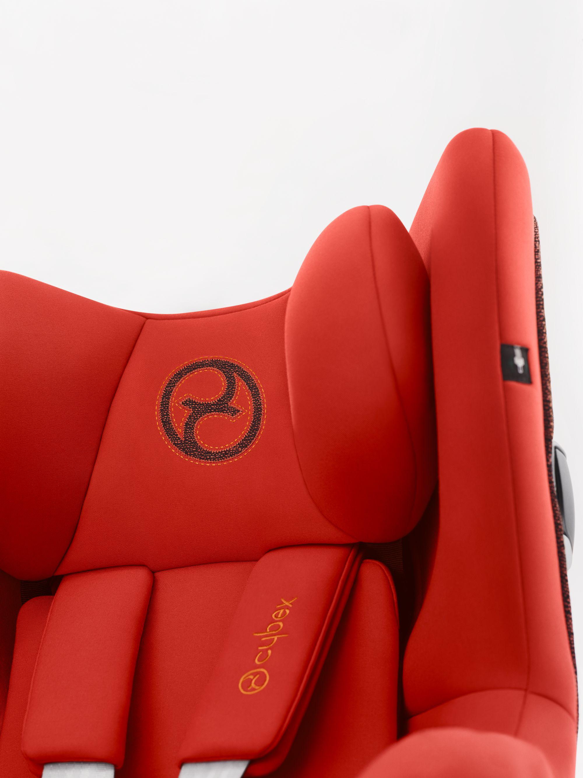 Fotelik samochodowy 0-18 KG Sirona Z I-size z funkcją obrotu 360 stopni firmy Cybex