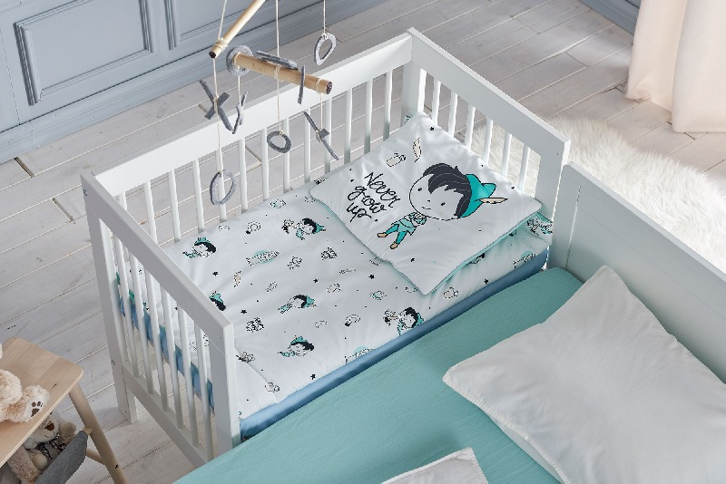 Pinio łóżeczko dostawka 90x50 cm + materac 90x50 cm  + płoza + kółka