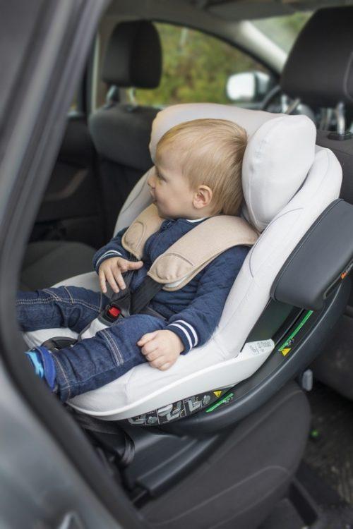 Bambusowy ochraniacz fotelika samochodowego BeSafe iZi Modular I-Size