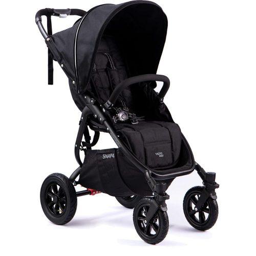 Wózek spacerowy Valco Baby Snap 4 Sport na pompowanych kołach, kolor Coal Black