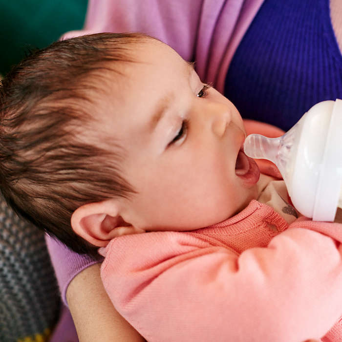 Smoczek do butelek Avent Natural 2.0 0+ dla noworodków