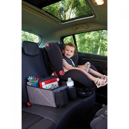 Organizer podróżny na siedzenie samochodu obok fotelika