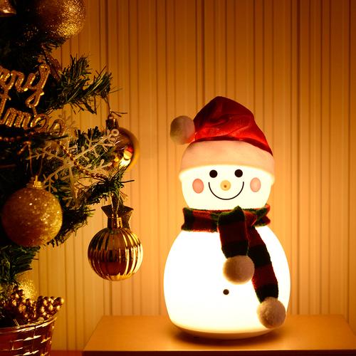 InnoGio Lampka silikonowa led  Snowman Girl LJC-118-2