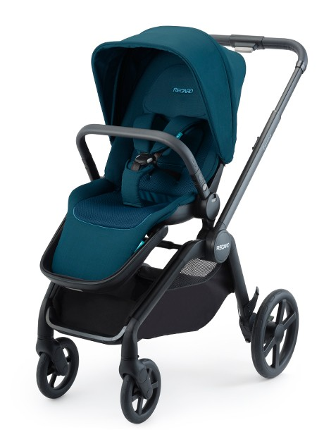 Recaro Celona lekki wózek spacerowy z przekładanym siedziskiem kolor Select Night Black