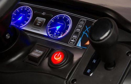 Samochód Mercedes-Benz S63 AMG dla dzieci na akumulator z pilotem dla rodzica, Toyz White