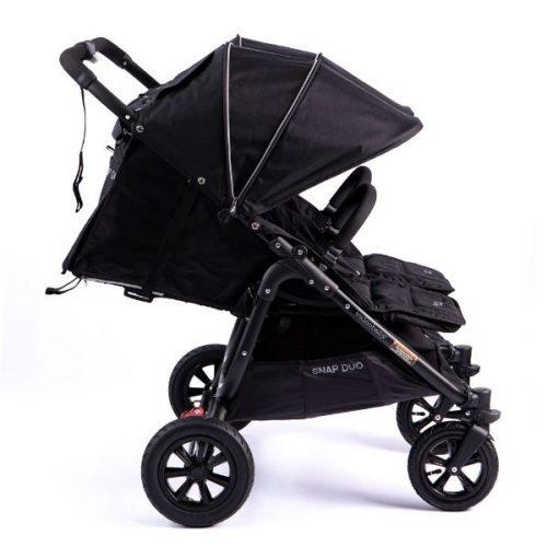Bliźniaczy wózek spacerowy Valco Baby Snap Duo Sport koła pompowane kolor Coal Black