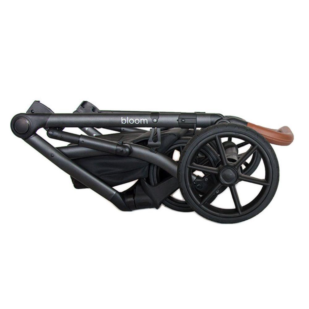 Wózek głęboko spacerowy Roan Bass Next zestaw 3w1 z fotelikiem Avionaut Pixel 0-13 kg kolor Black Pearl + Adaptery GRATIS